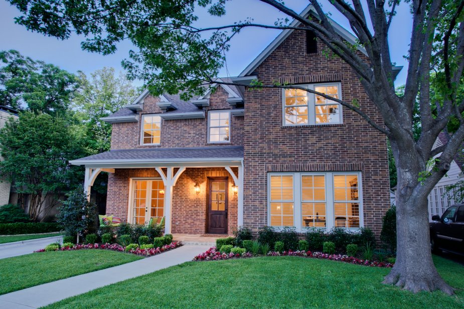 7022-westlake-front-elevation-1-twilight